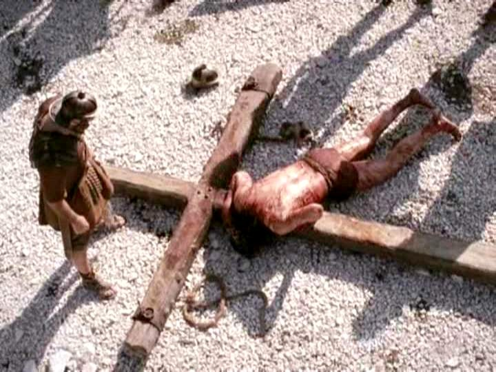 004POC_James_Caviezel_061 JESUS LYING ON CROSS